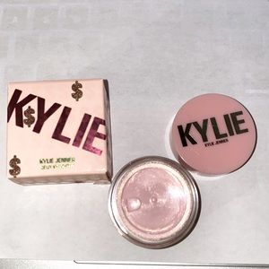 Jelly Highlighter Kylie Cosmetics.